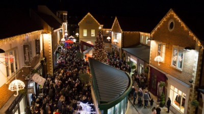 Thousands turn out for Sanderson Arcade Christmas Lights Switch on event