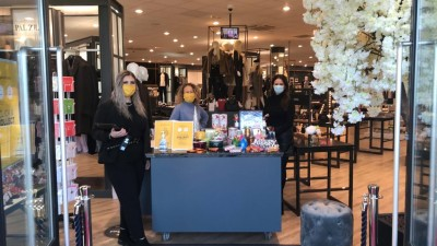 Sandersons Boutique team offer a helping hand with Christmas Shopping!